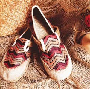 Giày cói cực xinh xắn