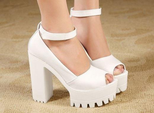 Giày platform sành điệu