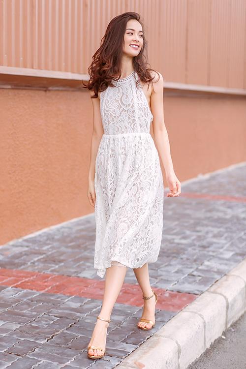 Váy ren là sự lựa chọn tuyệt vời cho cô nàng nữ tính