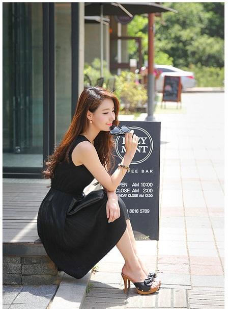 Váy maxi tối màu