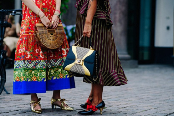 Hoạ tiết in nổi bật đang là chủ điểm thời trang hót nhất hiện nay
