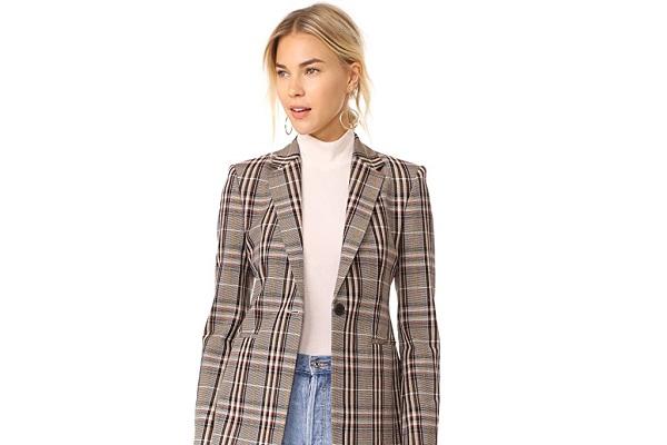 Allyson Payer yêu thích các bộ sưu tập thời trang thu đông của Theory