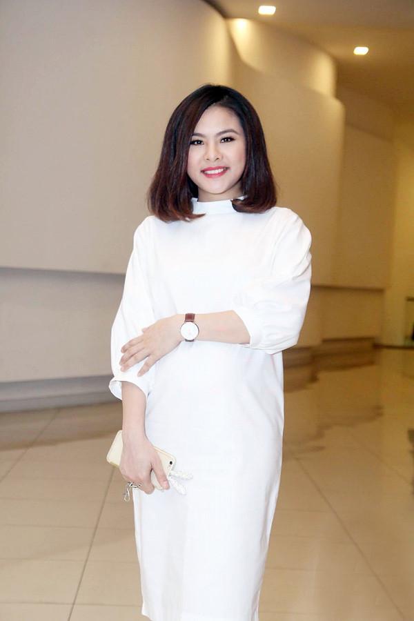 Bà bầu Vân Trang