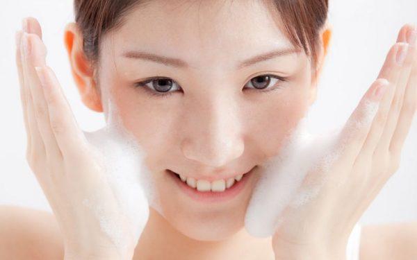 các bước chăm sóc da mặt hàng ngày