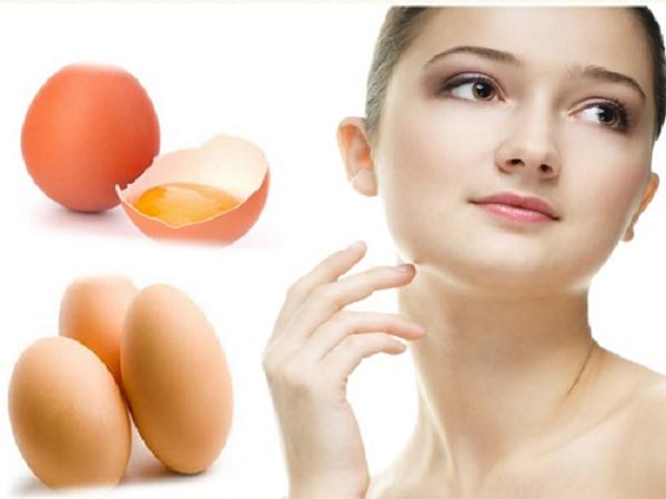 chăm sóc da mặt tại nhà bằng trứng gà