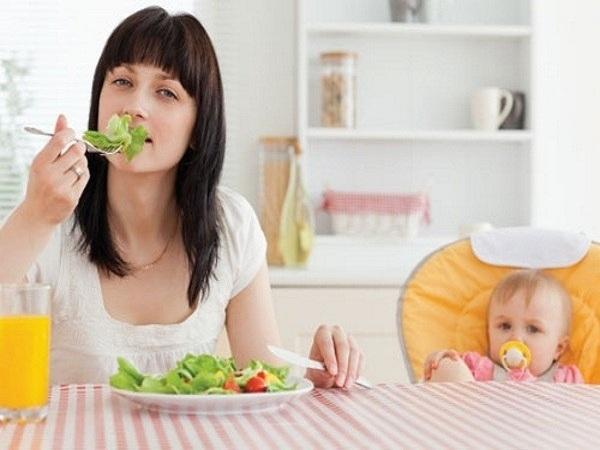 Chế độ ăn uống giúp hỗ trợ làm đẹp sau sinh
