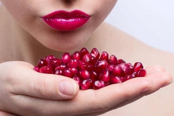 Lựu - cách làm giảm thâm môi