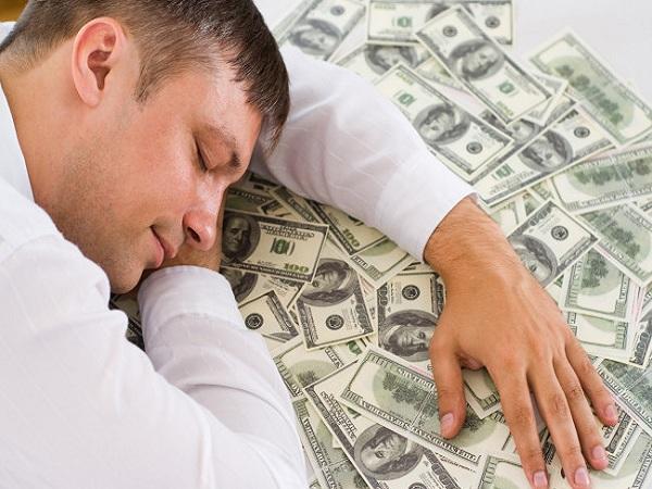 Nằm mơ thấy tiền có điềm gì? Đánh con số gì?