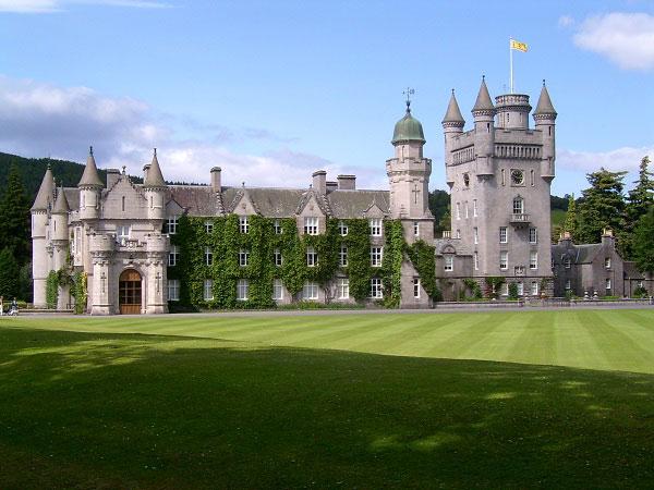 Mơ thấy lâu đài là điềm báo lành hay dữ?