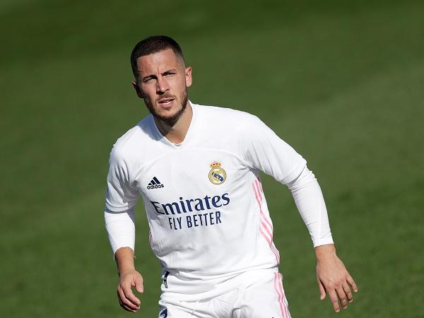 Bóng đá quốc tế 2/2: Hazard đi vào con đường của Bale