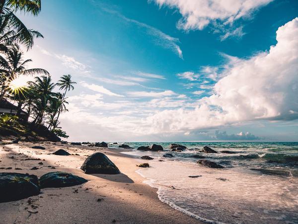 Nằm mơ thấy biển cả, biển nước dâng điềm báo gì con số liên quan