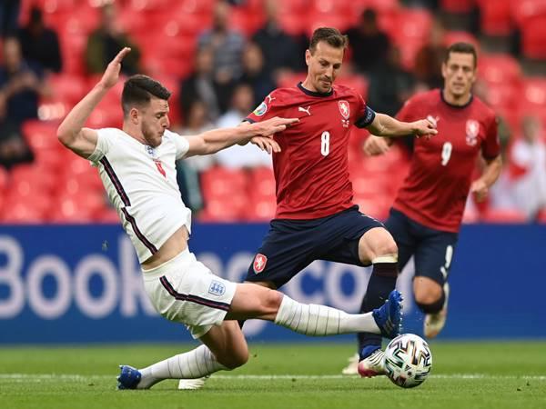 Bóng đá tối 25/6: Lampard ca ngợi Declan Rice