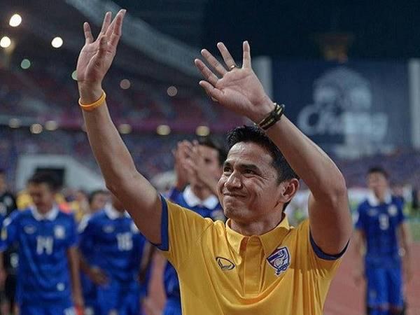 Bóng đá Việt Nam 18/6: HLV Kiatisak có thử nghiệm mới với HAGL