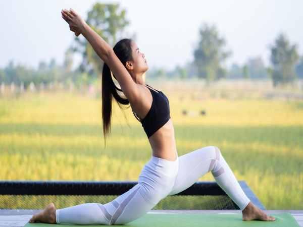 Làm đẹp an toàn bằng bài tập yoga